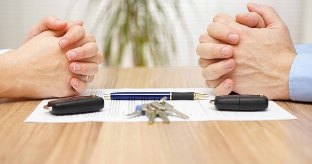 Машина в кредите при разводе: как разделить долги и автомобиль